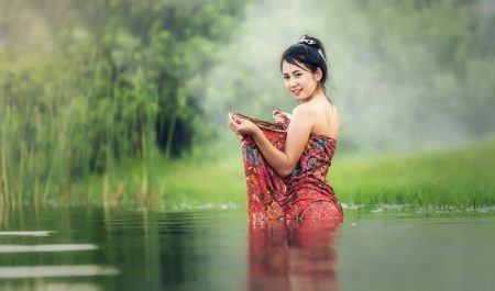 Thai Girl in river - Marrying a Thai woman