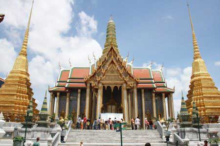 Grand Palace - Traveling to Thailand alone